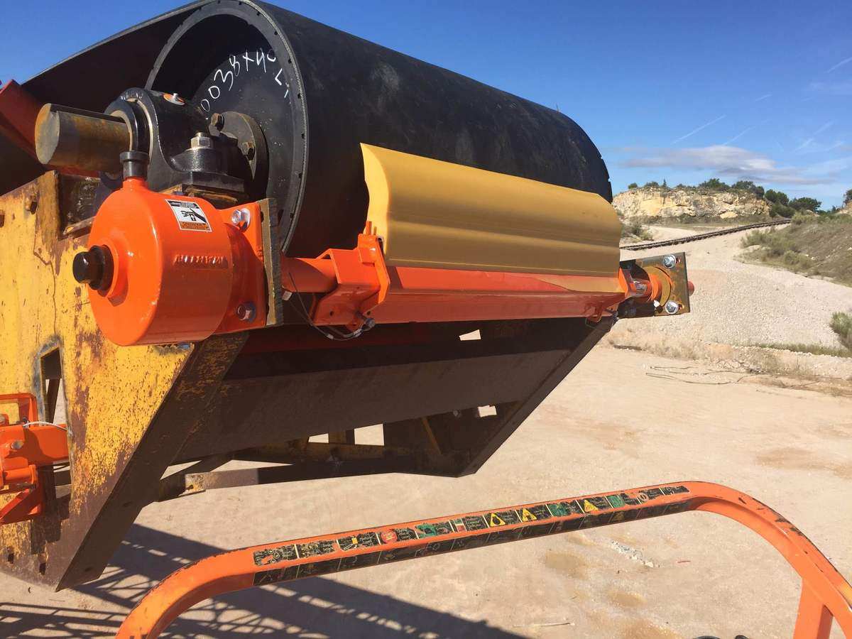 Belt Cleaners - Primary & Secondary Conveyor Belt Cleaning
